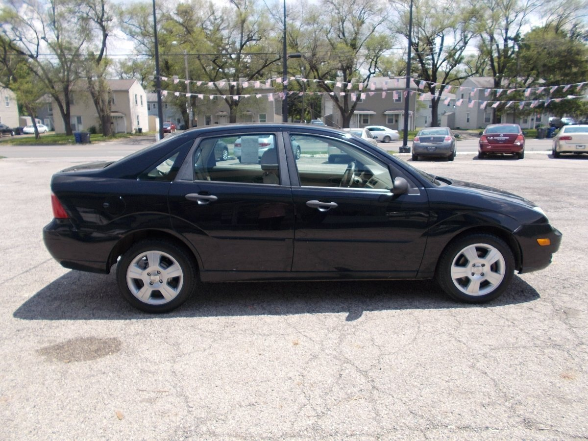 2007 FORD FOCUS SES for sale in Whitehall, OH