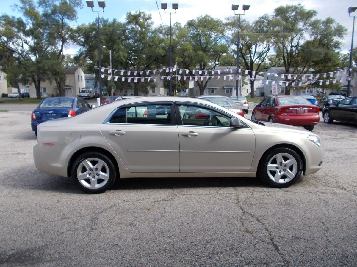 2011 CHEVROLET MALIBU LS for sale in Whitehall, OH