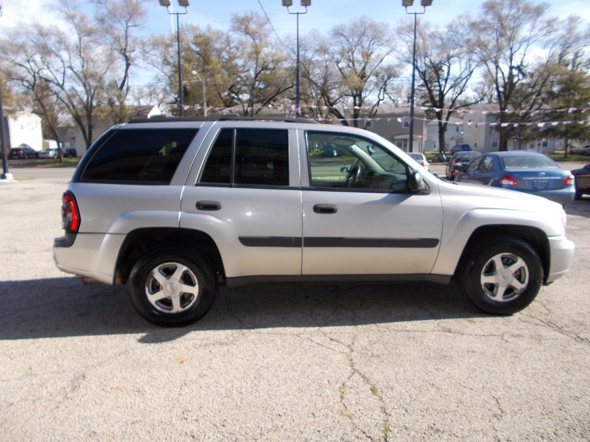 2005 CHEVROLET TRAILBLAZER LS 2WD for sale in Whitehall, OH