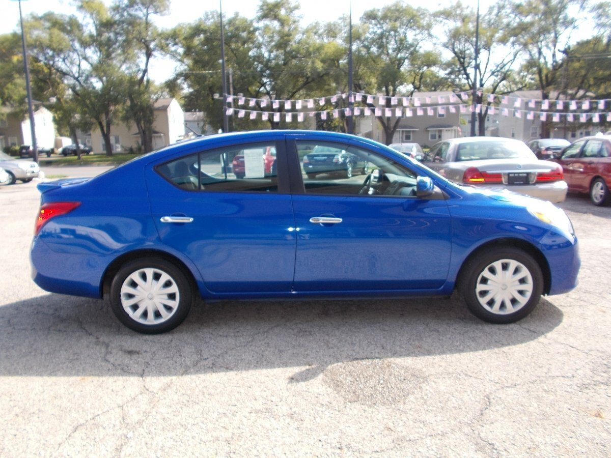 2013 NISSAN VERSA SV for sale in Whitehall, OH