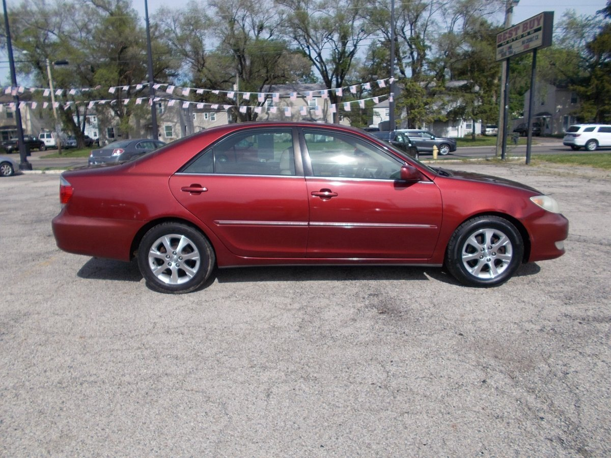 2005 TOYOTA CAMRY XLE for sale in Whitehall, OH
