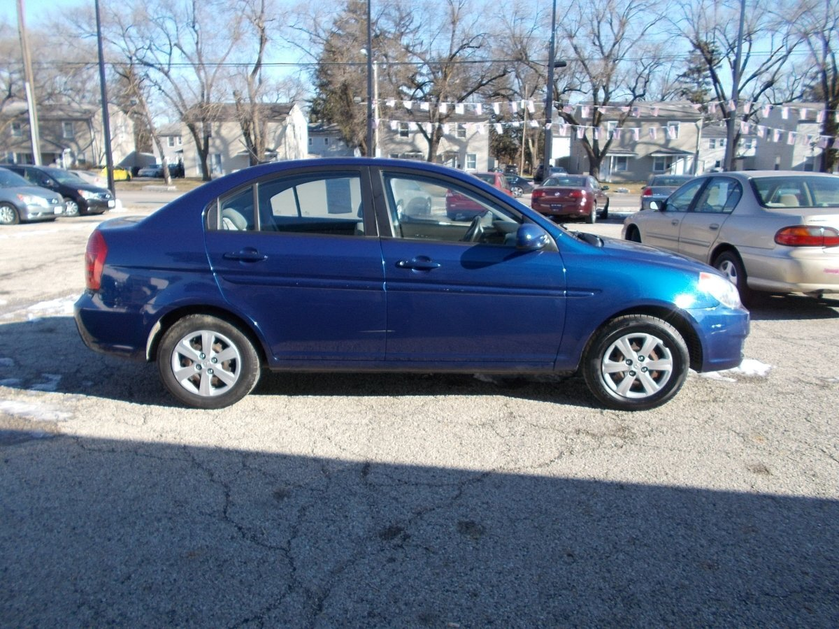 2011 HYUNDAI ACCENT GLS 4-Door for sale in Whitehall, OH