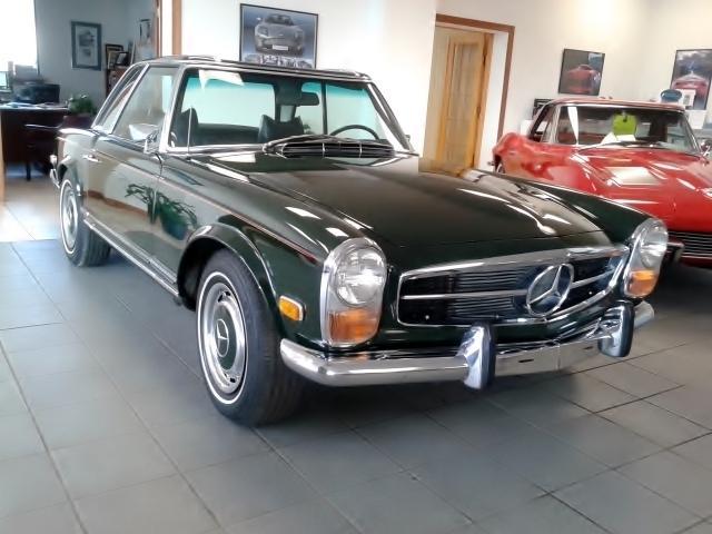 1971 MERCEDES-BENZ 280SL PAGODA